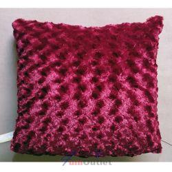 TESCO Rose Faux Fur Cushion Berry Декоративна възглавница