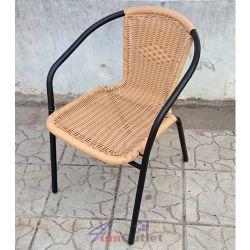 Стол, градински, ратан и тръбна конструкция