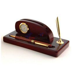 Луксозен комплект визитник, моливник, часовник и химикалка